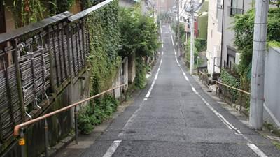 時かけ聖地坂道1-.JPG