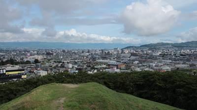 弘法山古墳1.jpg