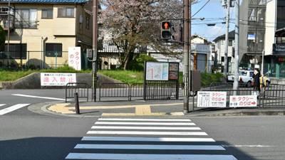 0.京阪六地蔵駅交差点11.jpg
